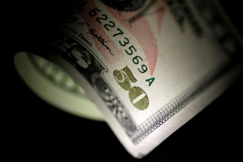 Đôla công ty cắt giảm hy vọng, đồng euro tăng về tăng lợi nhuận trái phiếu