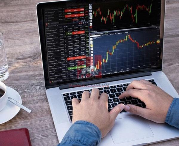 Có nên giao dịch bằng hệ thống giao dịch thủ công không?