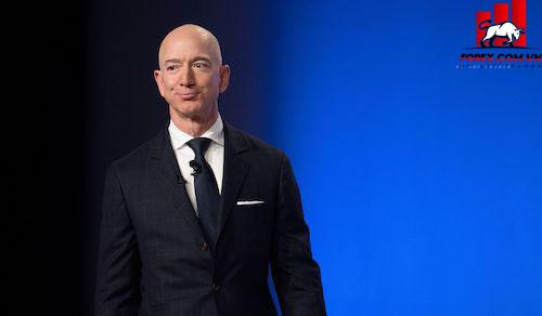 Các điều tra viên cho rằng điện thoại của CEO Amazon Jeff Bezos đã bị hacker Arab Saudi tấn công để đánh cắp tin nhắn riêng tư. Ảnh: AFP.