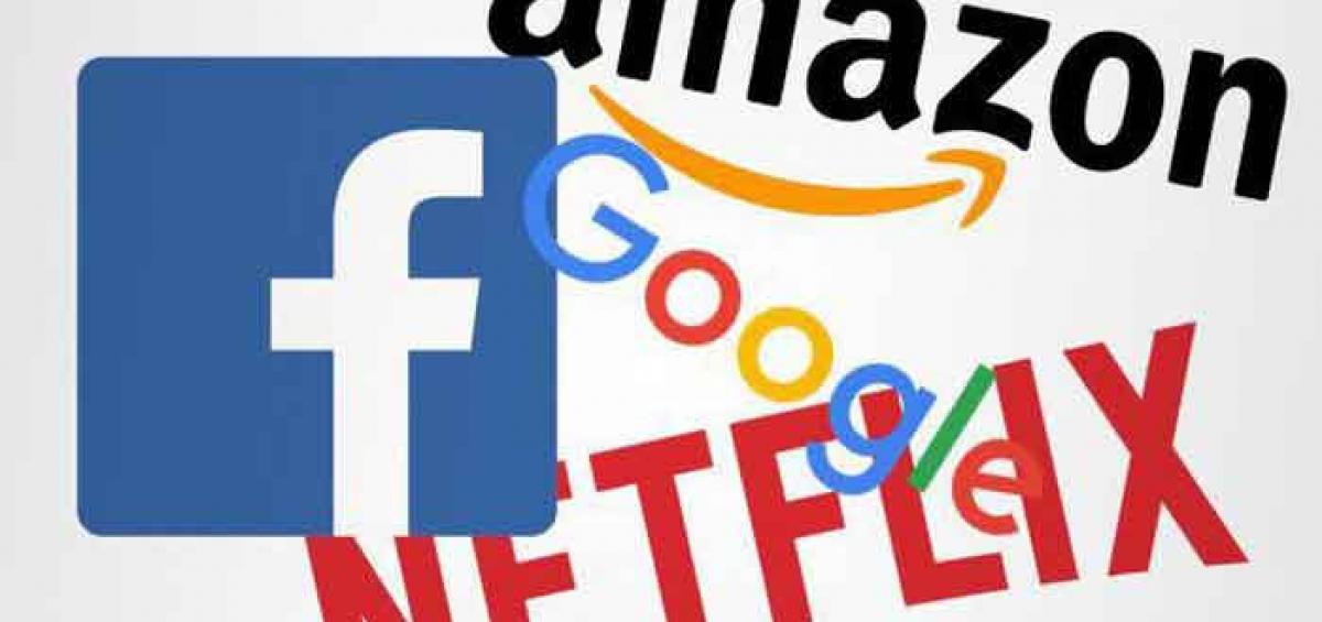 Facebook, Amazon, Neflix và Google thường được giới đầu tư ở Phố Wall gọi chung là nhóm FANG, nhóm cổ phiếu công nghệ có tốc độ tăng trưởng mạnh mẽ.