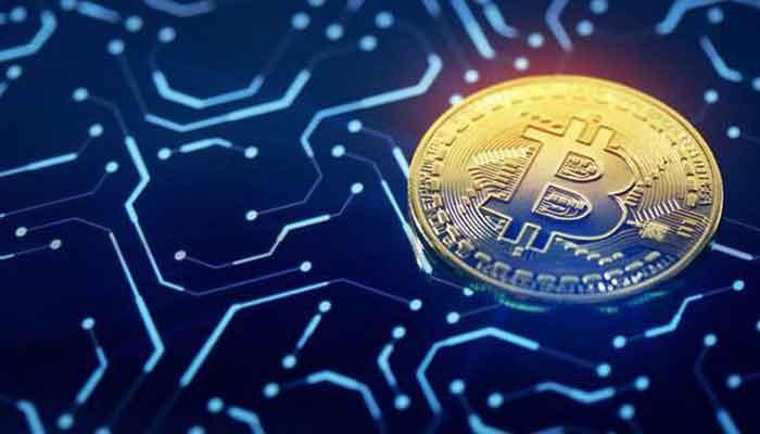 Nhiều đồng tiền ảo hàng đầu khác cũng đang giảm giá mạnh theo Bitcoin...