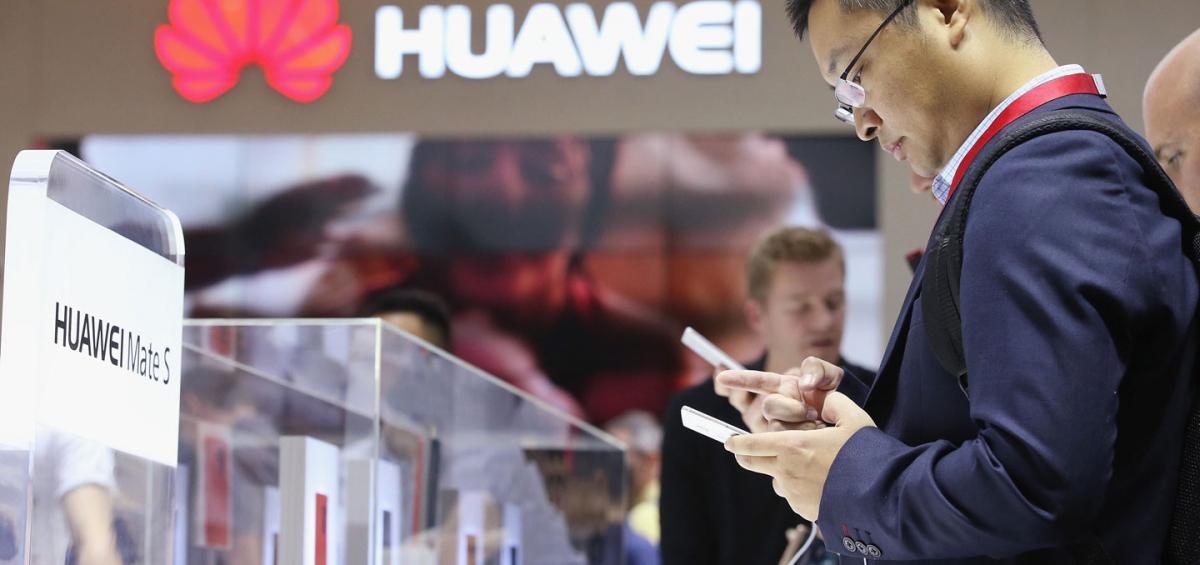 Người dùng tại châu Âu đang quay lưng với Huawei. Ảnh: Fortune.