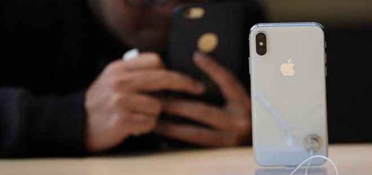 iPhone là món hàng có giá trị mà tội phạm thường nhắm tới. Ảnh: Justin Sullivan.