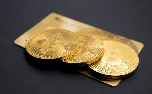 Sắc xanh trở lại, Bitcoin bật tăng