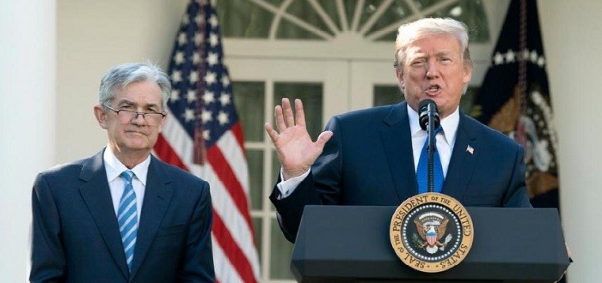 """Ông Trump lại buông lời cay đắng với Fed: """"Cho tôi lãi suất âm đi nào"""""""