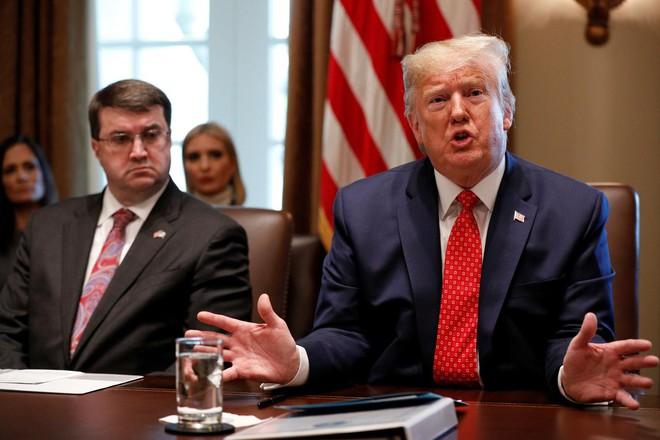 Ông Trump dọa nâng thuế cao hơn nếu Trung Quốc không tiến đến thỏa thuận