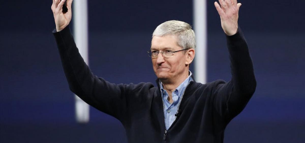 Tổng giám đốc (CEO) Tim Cook của Apple - Ảnh: Fortune.