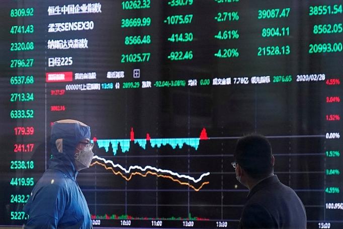 Kinh tế thế giới đối diện với cú sốc 5 ngàn tỷ USD