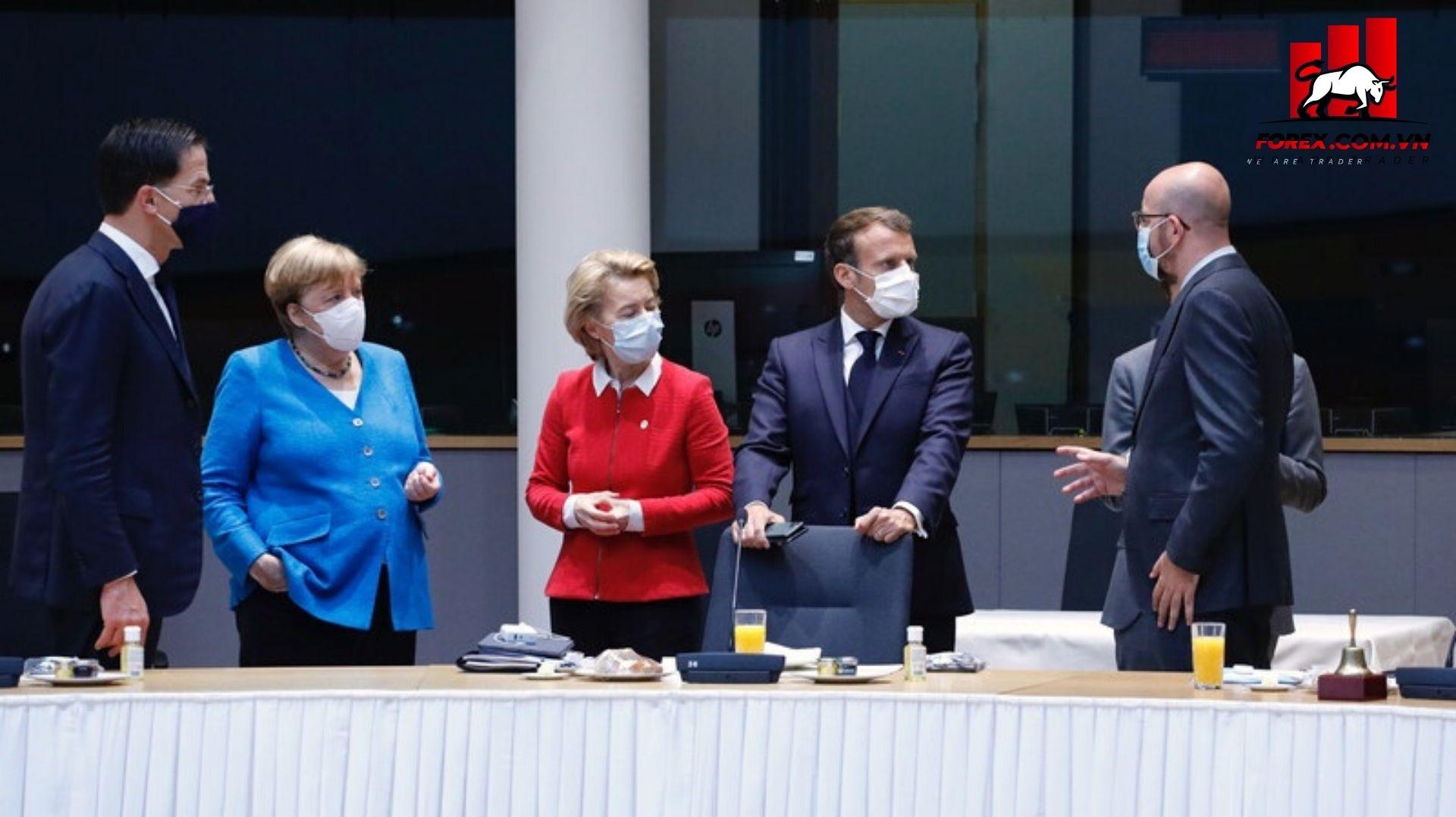 Thủ tướng Đức Angela Merkel tại hội nghị EU xem xét đề xuất mới trong nỗ lực phá vỡ bế tắc về kinh tế