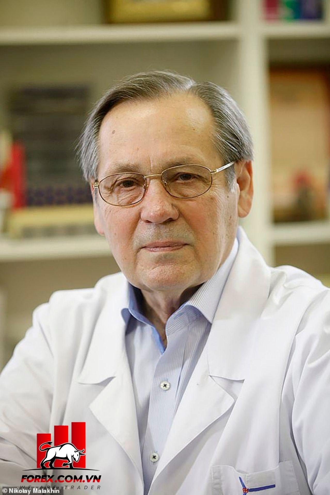 giáo sư - bác sĩ Alexander Chucalin