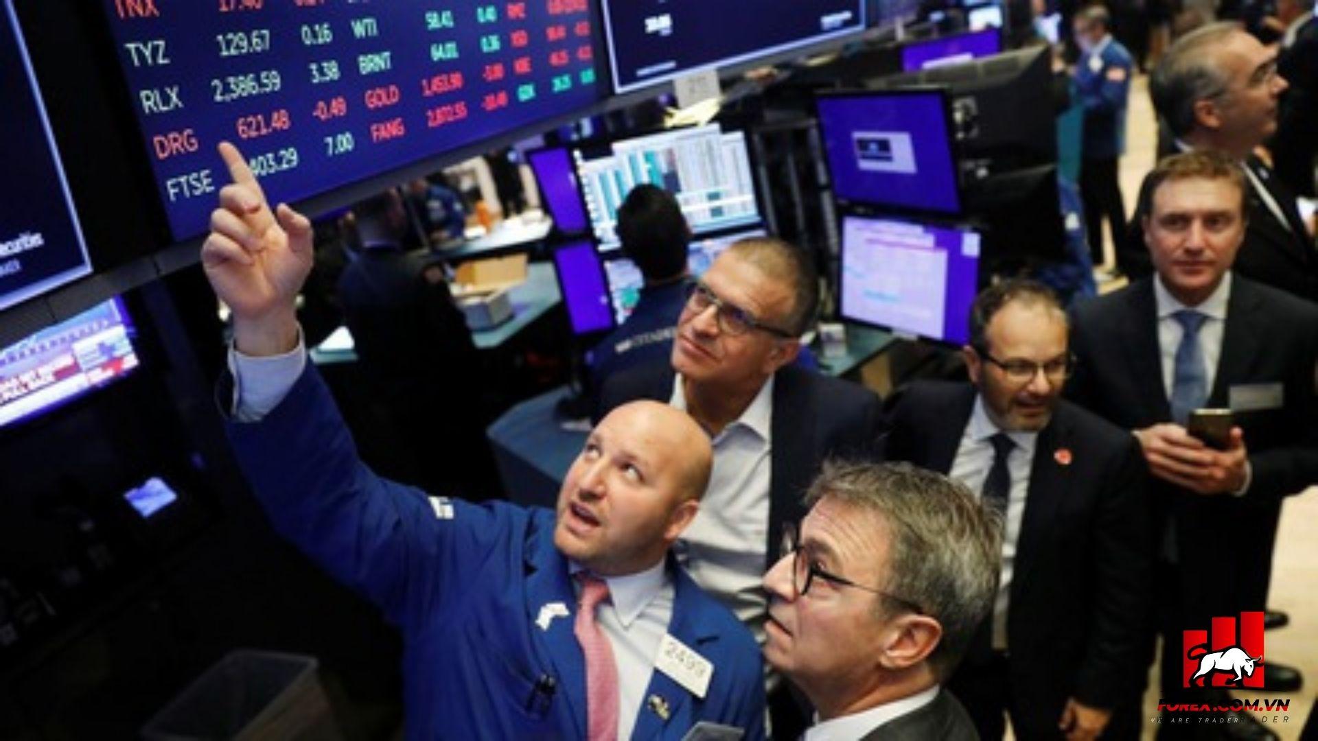 chứng khoáng Mỹ tăng cao khi có Chuyển biến tích cực về gói kích thích kinh tế mới của nước Mỹ