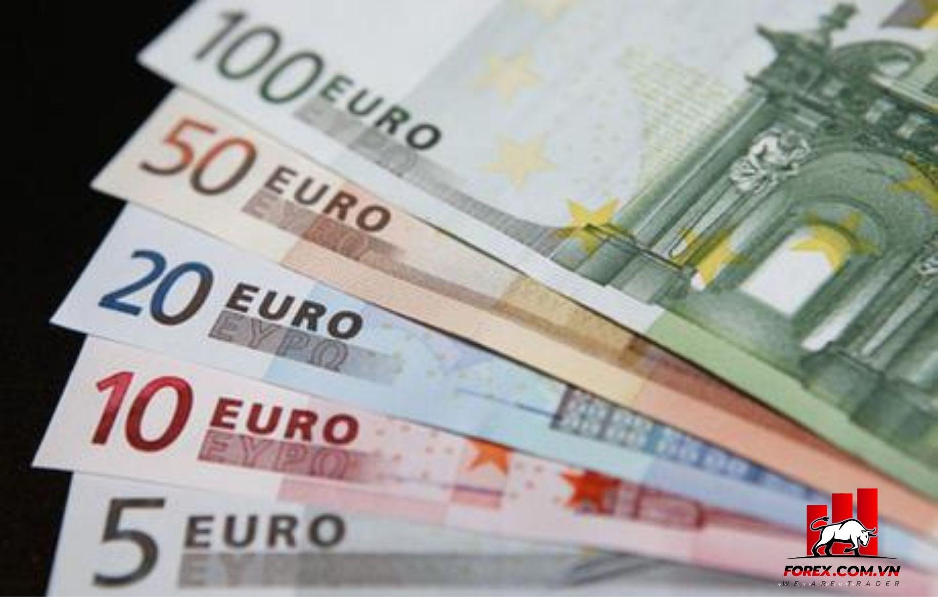 Thị trường tiền tệ thế giới 23/11: Đồng euro đang dao động ở mức 1,1858 đô la