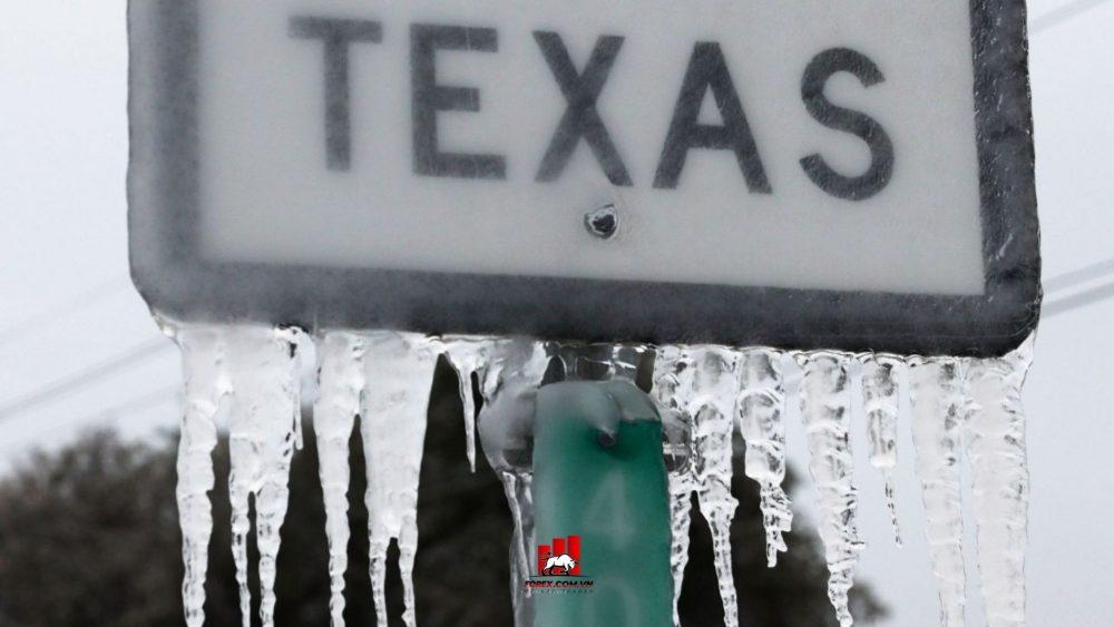 Bão mùa đông Texas khiến giá dầu tăng
