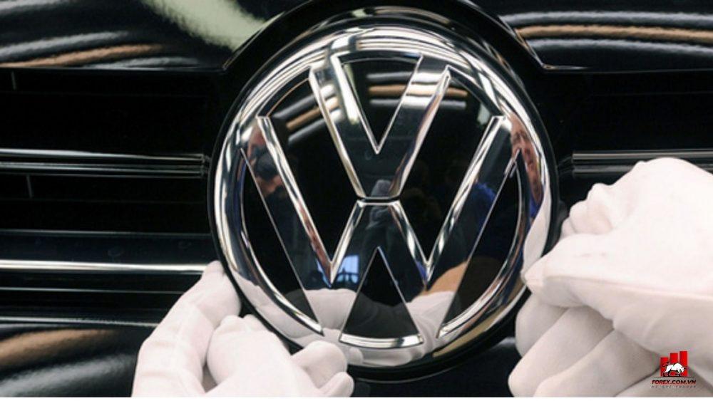 cổ phiếu Volkswagen tăng vọt do làn sóng mua vào từ các nhà đầu tư bán lẻ
