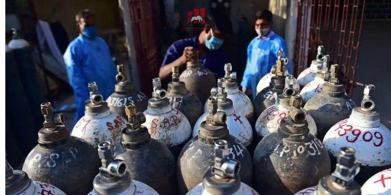 Các bệnh viện Ấn Độ hiện đang thiếu bình oxy trầm trọng