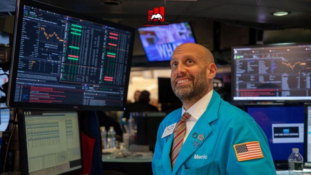 thị trường chứng khoán thế giới gần chạm mức kỷ lục