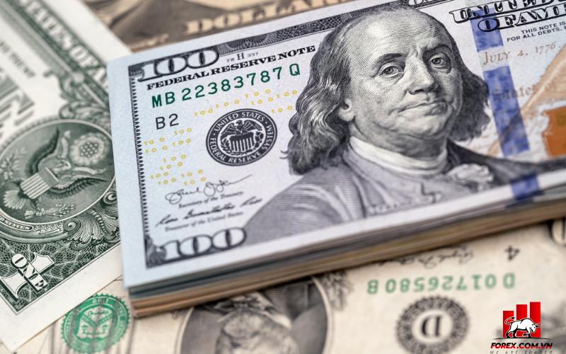 USD tăng cao khi nhà giao dịch lo lắng về taper 1