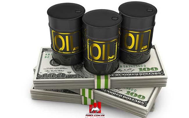 USD và dầu có mối quan hệ và ảnh hưởng nhau như thế nào?
