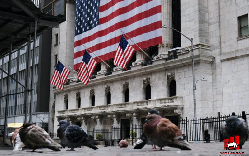Cổ phiếu tăng trưởng kéo S&P 500, Nasdaq tăng 1